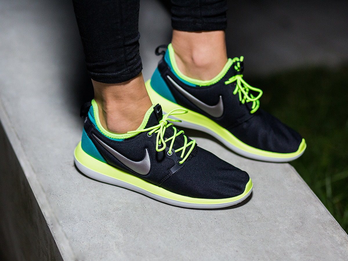 55a9a81d3225 ... where to buy nike roshe two gs 844653 003 e7362 56113